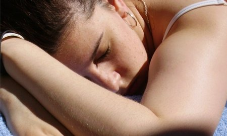 El alcohol no ayuda a dormir mejor