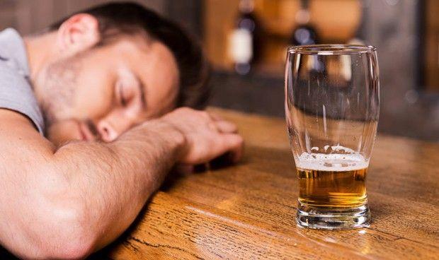 El alcohol, la sustancia legal más consumida
